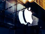 Apple becomes the first company with a $1 trillion valuation